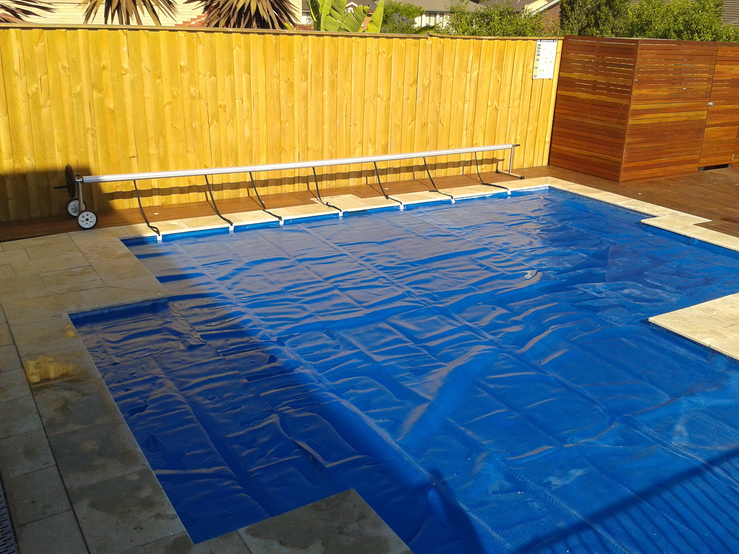 Top 4 Pool Heating Options