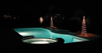 holiday_pool_lights_1