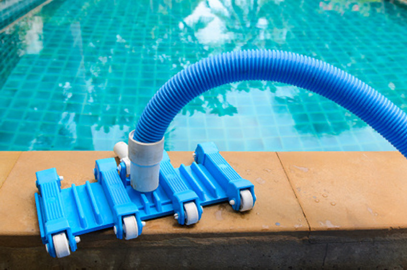 How to vacuum a pool with a filter or a pump - My perfect pool ...