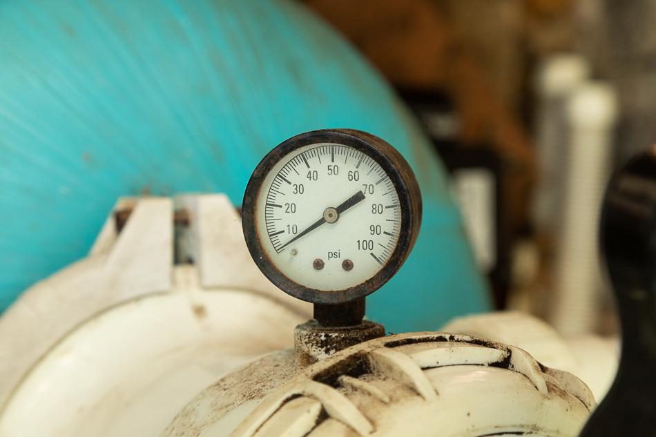 Typical pool filter pressure gauge.